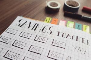 savings tracker decorative picture